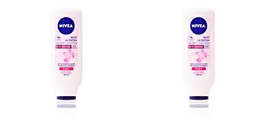 Body moisturiser BAJO LA DUCHA body loción efecto luminoso Nivea