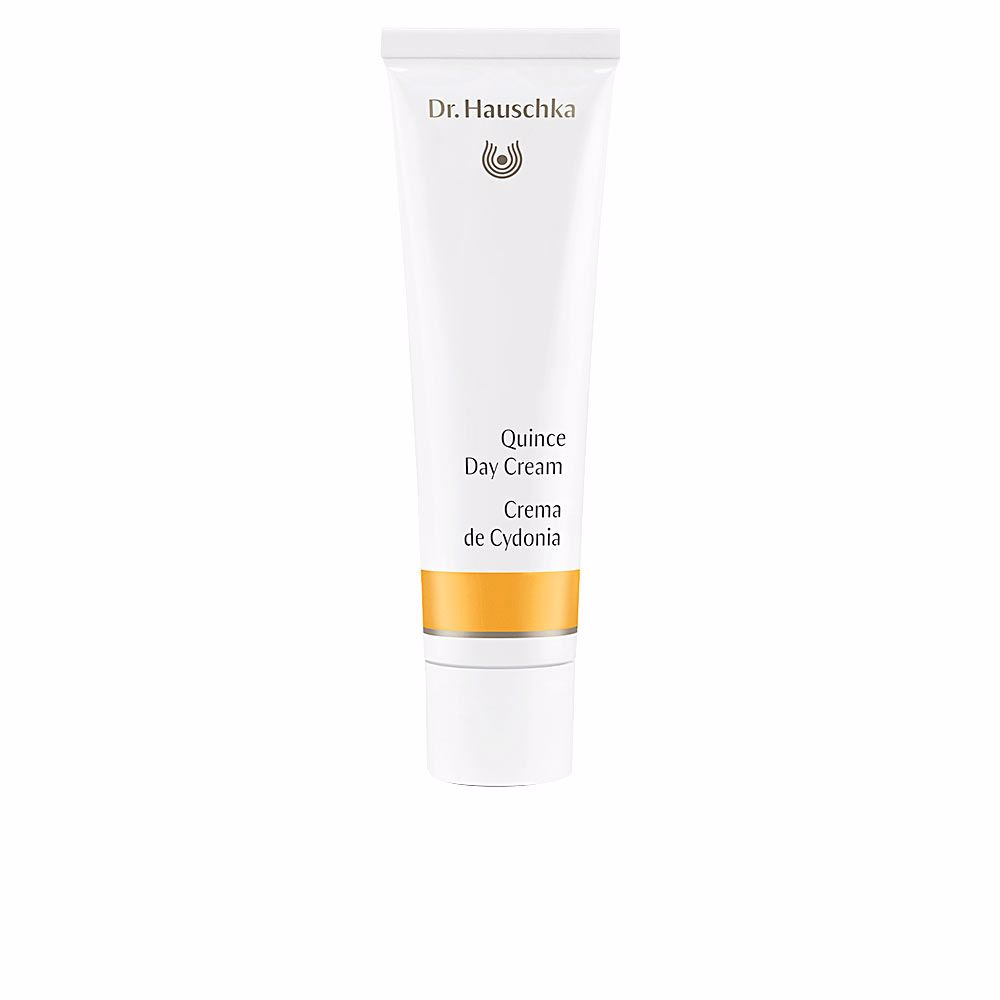 QUINCE day cream hydrates and protects