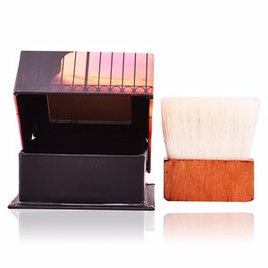 Poudres bronzantes DALLAS bronzing powder Benefit