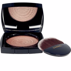 Highlighter makeup ECLAT MAGNÉTIQUE Exlcusive Creation Chanel