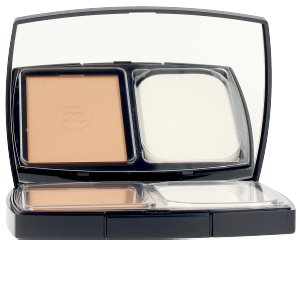 Compact powder ULTRA LE TEINT compact SPF15 Chanel