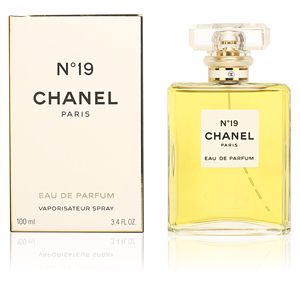 Chanel Nº 19  perfume