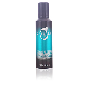 Produit coiffant CATWALK curlesque strong mousse Tigi