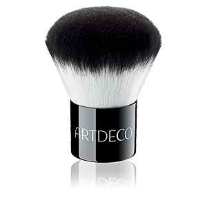 KABUKI BRUSH for professional finish